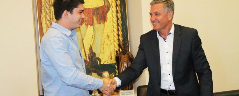 Domagoj Nikolac i Željko Burić Potpisivanje ugovora